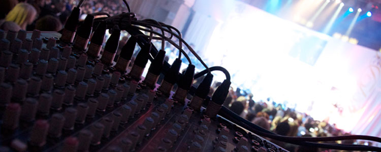 Post Production – Sound desk live music concert